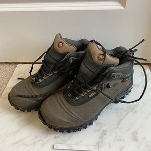 Merell Thinsulate 200 Grams Boot